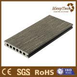 Plancher extérieur imperméable à l'eau de Brown WPC des graines en bois chaudes de vente