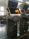 Bagging機械の重量を量るトウモロコシのサイレージ