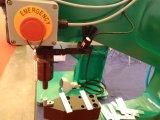 Tox, das gemeinsame Maschine mit pneumatischem und hydraulischem klammert