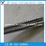 Laser, der Stahlrohr mit vielen Löchern schneidet