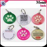 Розовая бирка любимчика бирки собаки формы косточки Anodied с номером удостоверения личности лазера