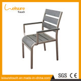 Brazo de Polywood que cena la silla de madera plástica del restaurante de las sillas del metal determinado de aluminio de los muebles