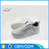 Unsix熱い販売のLEDの点滅の靴はダンスの靴をつける