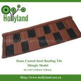 Strato d'acciaio colorato del tetto con la pietra ricoperta (mattonelle dell'assicella)