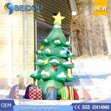 Albero di Natale gonfiabile gigante poco costoso all'ingrosso degli alberi di Natale della fabbrica
