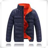 Do inverno europeu dos revestimentos do inverno do estilo da forma do homem do menino da menina revestimento ultra leve Foldable para baixo