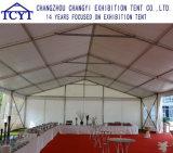 De openlucht Handel van de Tentoonstelling toont de Grote Tent van de Partij voor Gebeurtenis