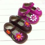 Ботинки девушки малыша горячего пинка пискливые