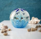高品質の装飾によって着色される球