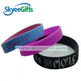 Custome schwarze Farben-Silikon-Armbänder