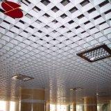 Falso decorativo un tipo sistema de aluminio del techo de la red del metal del triángulo con el blanco de marfil