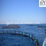 Abrir la jaula de color salmón de la granja de pescados del mar profundo