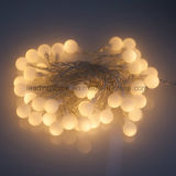 La stringa leggiadramente della sfera bianca della decorazione della camera da letto illumina 30 LED