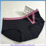La fábrica tasa directo las bragas negras atractivas de la ropa interior de las mujeres