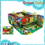 Venda interna usada do equipamento do campo de jogos de Playgroundr dos miúdos