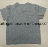 2017人の男の子の赤ん坊の綿のTシャツ