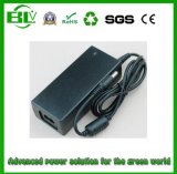 주문을 받아서 만들어진 소켓을%s 가진 접합기를 강화하는 21V2a 리튬 Battery/Li 이온 건전지를 위한 엇바꾸기 힘 접합기