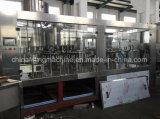 O PLC controla a máquina de enchimento de engarrafamento da água mineral e pura