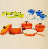 il Cookware del ghisa dello smalto 4PCS ha impostato in quattro colori