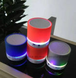 El LED enciende para arriba el altavoz portable de Bluetooth (572)