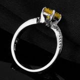 O Oval da forma cortou o anel citrino do aniversário da prata 925 esterlina