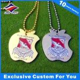 Étiquettes de crabot colorées faites sur commande plaquées par or en métal d'émail d'étiquette de crabot de cadeau d'affaires