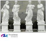 手によって切り分けられる白い大理石の人体の抽象美術の彫刻