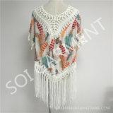 女性(SOI1738)のためのふさが付いている新しいデザインかぎ針編みの印刷のブラウス