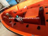 Passeggero Ship e Cargo Ship Using Open Lifeboat