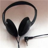 De Oortelefoons van het in-oor van Earfoam met Microfoon en Diepe Bas StereoHoofdtelefoon