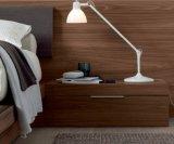 Король Кровать твердого грецкого ореха деревянный для пользы спальни (B010)