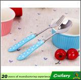 Ensemble en céramique de couverts de couteaux de fourchette de cuillère de poignée de cercles