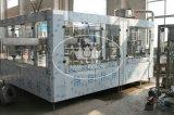máquina de rellenar del refresco de 15000bph 40-40-12 con el tanque del líquido del anillo