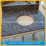 Prefab Polished прибалтийские верхние части тщеты камня гранита Brown для ванной комнаты