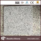 安い薄い灰色のBiancoの水晶花こう岩のタイルか花こう岩の舗装するか、または石造りのペーバー
