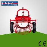20-30HPトラクターは単一の列のポテト収穫機を繋いだ