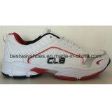 Тапка обувает ботинки спортов вскользь ботинок