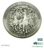 Les pièces de monnaie blanc neuves en métal avec de l'or plaqué