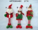 Elfo diritto della decorazione di natale con gli strumenti ed i regali