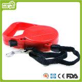 自動引き込み式のプラスチック犬の鎖