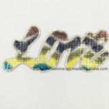 Hierro decorativo del Rhinestone del diseño del amor en las correcciones (amarillo del TPy-Amor)
