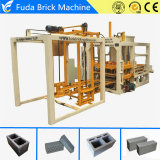 Tijolo concreto automático que dá forma ao equipamento de construção da máquina