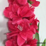 가정 훈장 도매업자를 위한 실크 인공 꽃 참제비 고깔 가짜 꽃