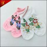 Las mejores calcetines del jacquard de la manera de las mujeres de la calidad al por mayor