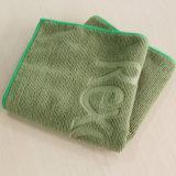 Microfiber tricotant la serviette promotionnelle emboutie chaude (YRTW505)