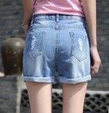 Shorts freddi eccellenti del denim di estate