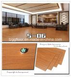 Mattonelle impermeabili del vinile del PVC del vinile della plancia del grano di legno commerciale della pavimentazione
