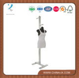 Banco di mostra dei vestiti dell'OEM Costumer con Hangrail registrabile
