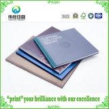 Vari libri duri personalizzati variopinti di stampa della carta per copertine