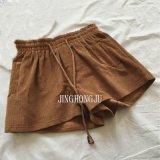 Die gesponnenen Damen, Kordsamt, hüllten elastische Taille, Frontseite bindet die beiläufige 2 Taschen-kurze Hose ein